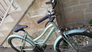 Womans Mongoose Bicycle - In good condition. Kitchener / Waterloo Kitchener Area image 3