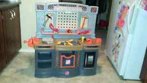 Step 2 deluxe work shop for kids with tools