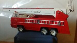 1970s VINTAGE Tonka Fire Truck ,Working Extendable Ladder