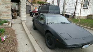 1984 fiero 91000km only auto 4cyl $3000 save a fiero!!!!!
