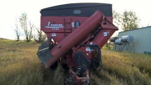 1348 Parker Grain Cart - Used only 4 seasons