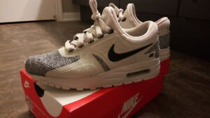 Nike Air Max Zero SE (GS) 5Y (Women's 6.5) Shoes EUC