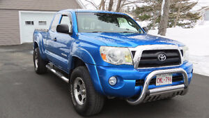 2005 Toyota Tacoma Off Road Pickup Truck