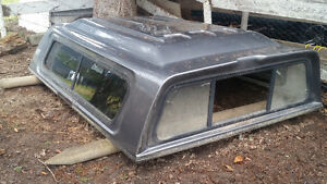 Truck canopy 8 ft bed