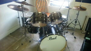 Pearl Vision drumset for sale