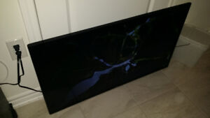 "Samsung 40"" Smart LED TV - SCREEN CRACKED for PARTS"