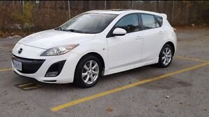 2010 Mazda 3 Sport 2.5L **loaded with safety & etest** Windsor Region Ontario image 1