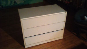 Armoire blanche/ white drawer cupboard