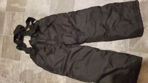 2x Pairs of Girls snow pants - size 5 & 6