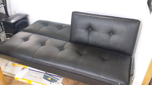 Futon table and chairs great shape
