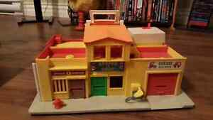 Selling vintage fisher price town building