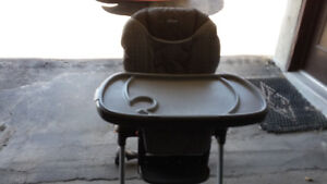 \high chair in excellent condition