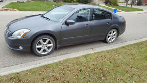 2006 Nissan Maxima with heated seats and steering wheel