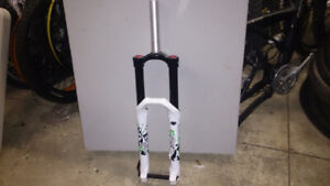 Marzocchi 66 Single Crown Bike Fork - White and Green