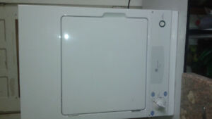 Dryer full size, portable standard plug in