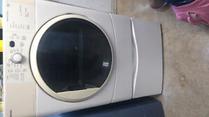 KENMORE HE2 DRYER WITH PEDESTAL