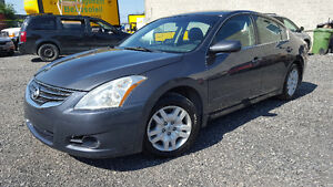 Nissan Altima 2012 super propre excellente mécanique