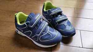 New Geox size 27/ size 10 boys runners