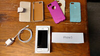 White 16 GB iPhone 5 with accessories!