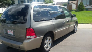 2004 Ford Freestar Limited Minivan, Van