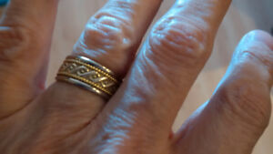 Birks 18k yellow and white gold band size 6 - 6 1/2