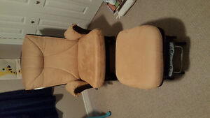 Nursing Rocking Chair with Ottoman