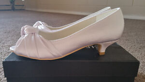 Never worn satin white bridal kitten heels