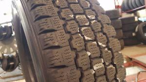 4 pneus d hiver Blizzak W965 pour camionette