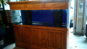 125 Gallon Tank, Oak cabinet and canopy, protein skimmer & more
