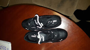 Size 5 puma shoes wore once need Gone asap Cambridge Kitchener Area image 2