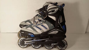 Women roller blades  size 7 patin a roulette taille 7 avec pads