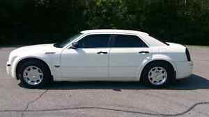 2005 Chrysler 300 (Lots of New Parts)