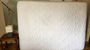 Clean queen mattress with free side table