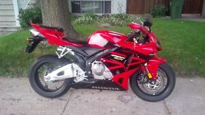 CBR600RR. 2006. Stock. Like New. 15070KM
