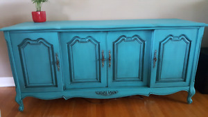 Working antique record player/ table/ accent piece