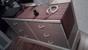 6 drawer dresser,arched bottom,very solid,only 25.00