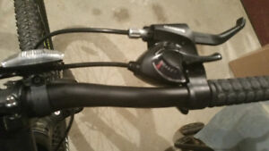Men's bike used once pristine condition