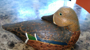 Excellent condition Wood carved duck decoy