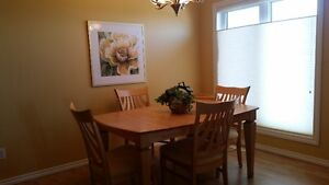Beautifully furnished 2 bedrooms plus den