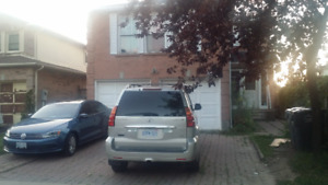 2 BEDROOM UPPER LVL, SEPT PORTION IN HOUSE@SQUARE ONE