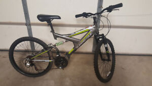 Mountain Bike.Super Cycle 18 Speed24 inch wheel.