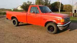 1988 Ford F150 XLT Lariat only 135K kms