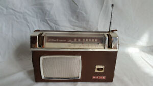 Radio antique ~ 1960 / Antique radio ~ 1960s  $60