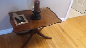 ANTIQUE FRENCH PROVINCIAL ACCENT TABLE