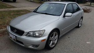 2004 Lexus IS 300 Sedan Mint Condition E-Tested Low KMs