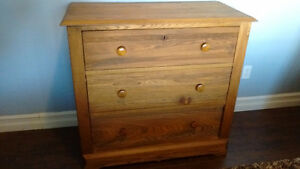 Solid Wood Antique 3-Drawer Dresser