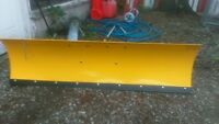 4ft plow never used,,    no.mounting brackets or arm jus plow