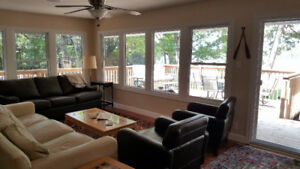 Gorgeous Pigeon Lake cottage- Very clean and bright, new reno
