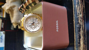 BRAND NEW FOSSIL WATCH NEVER BEEN WORN !