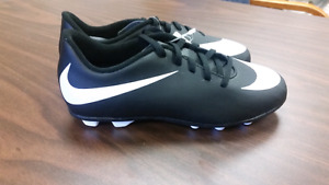 Nike cleats youth size 3